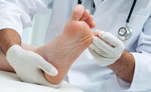 Пациент у дерматолога