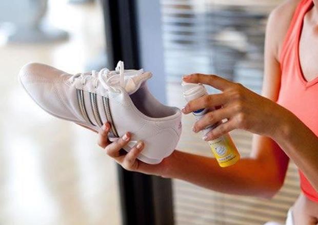 Преимущества спреев для обуви